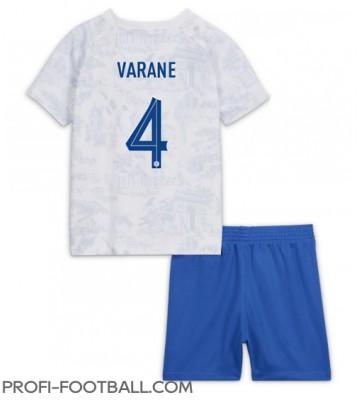Ranska Raphael Varane #4 Vieras Pelipaita Lasten EM-Kisat 2020 Lyhyet Hihat (+ Lyhyet housut)